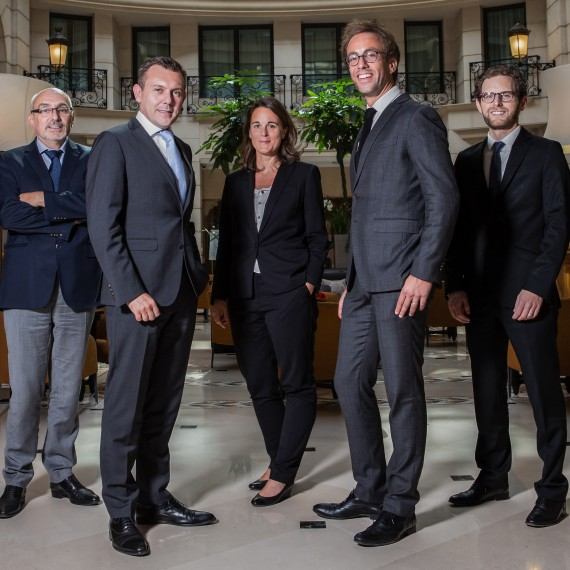 associe_groupe